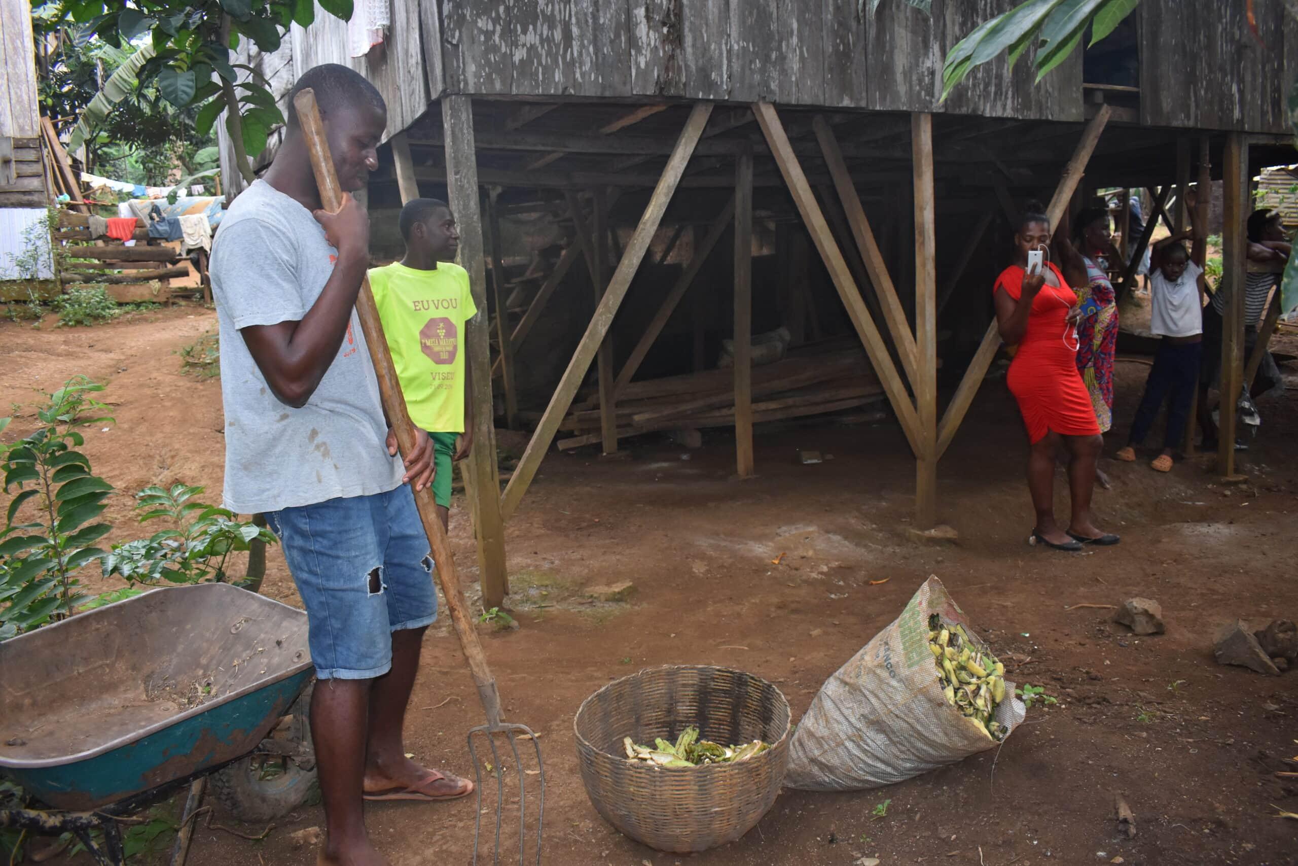 compostagem, compostor comunitário, ambiente, recolha resíduos sólidos e urbanos, são tomé, bairro da boa morte, bairro limpo